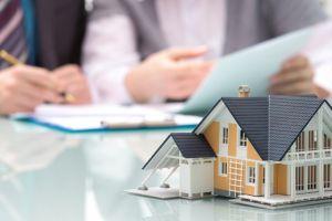 Как запретить операции с недвижимостью без личного участия собственника?